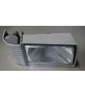 2010-178318A1-Lampa przednia Case L